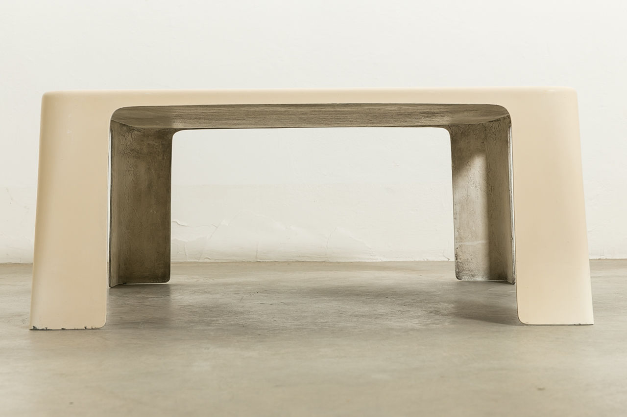 Amanta coffee table by Mario Bellini for CandB Italia