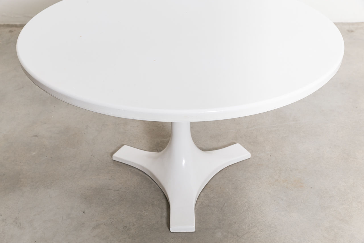Anna Castelli Ferrieri Dining Table