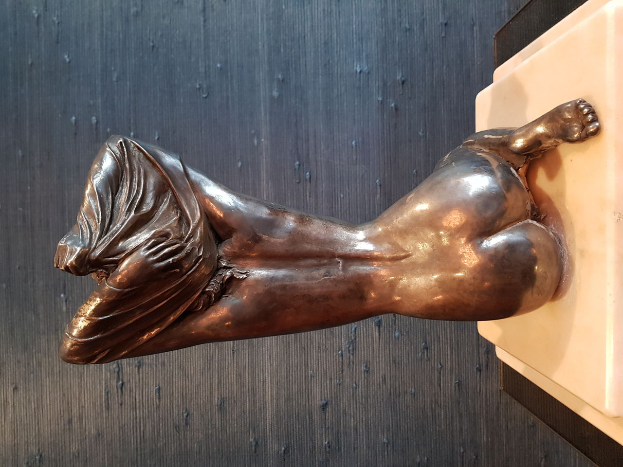 Bronze Nude sculpture by Vittotio Tessaro
