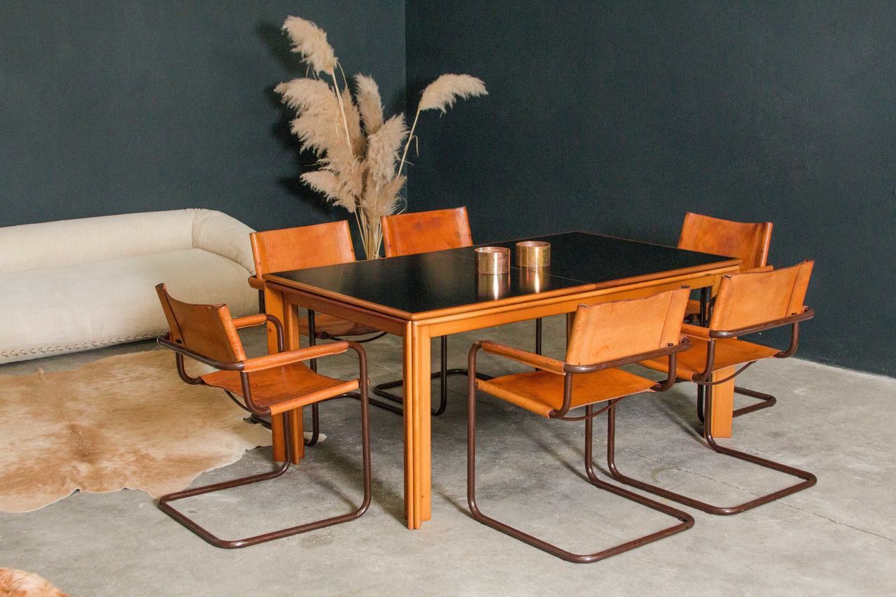 Dining table Afra and Tobia Scarpa for Molteni 1970s