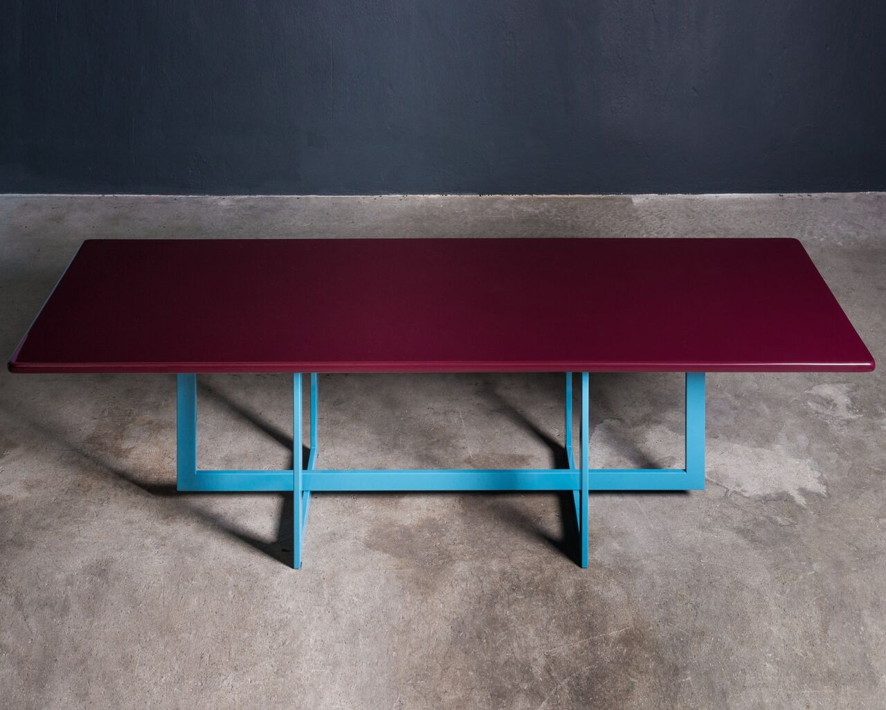 Lacquered Italian dining table