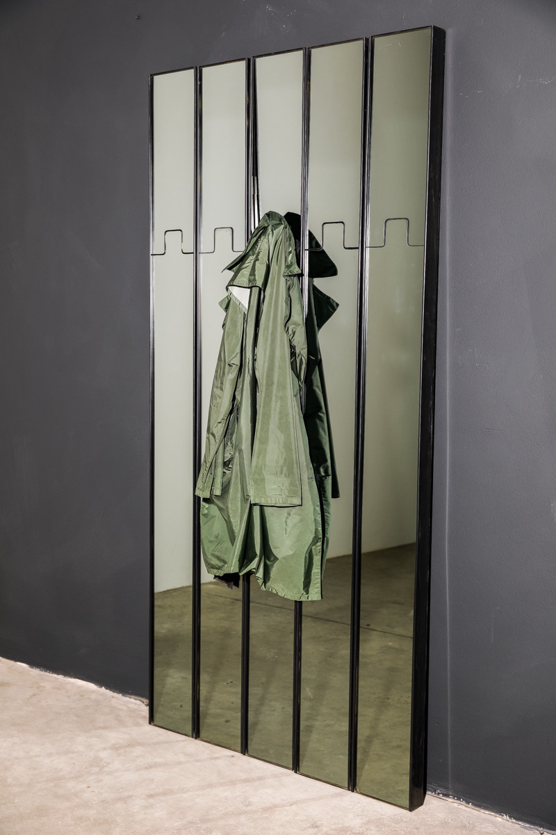 Luciano_Bertoncini_Gronda_Mirrored_Coat_Racks-4400-364