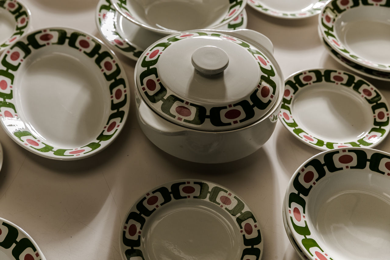 Richard Ginori Ceramic Dinner Set