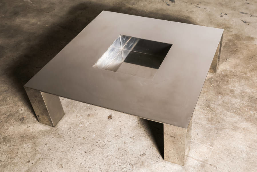 Tebe coffee table by Saporiti