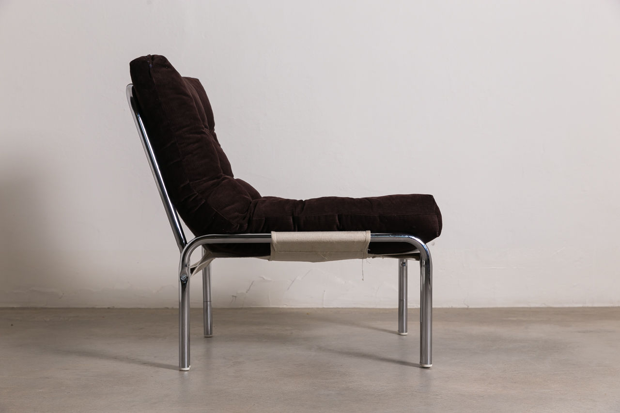 Tubular Chrome Easy chair with pillow Circa 1970